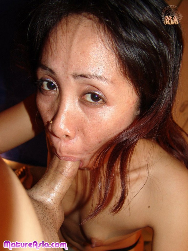 Mature asian blow job