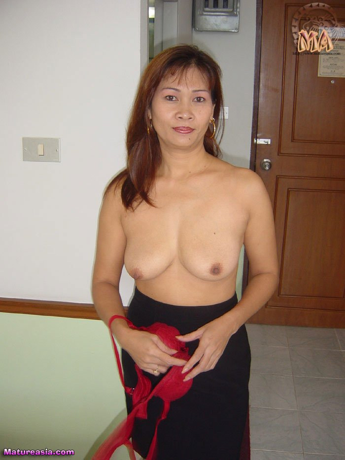 Asian beauty plays with sex toys 4