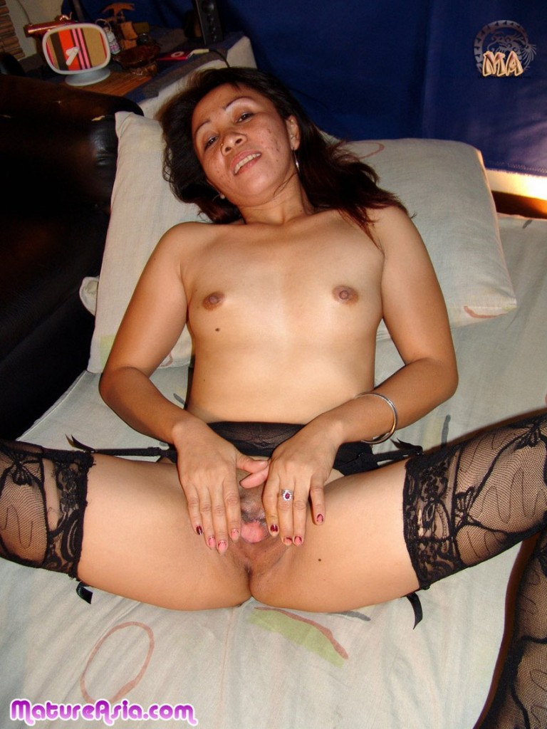 asian mature old lady spread