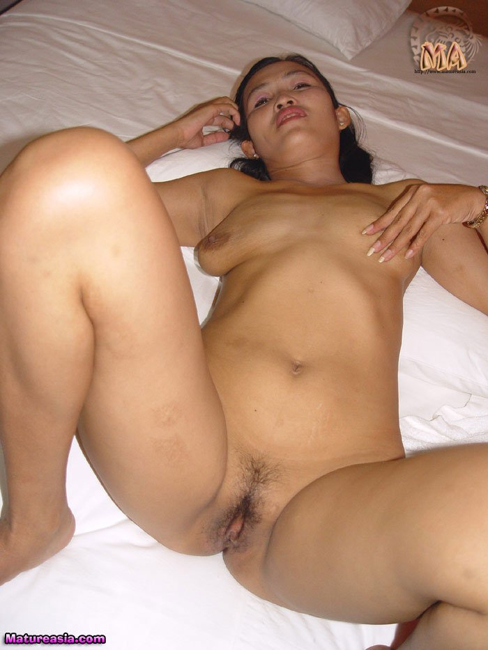 amateur vietnamese asian mom