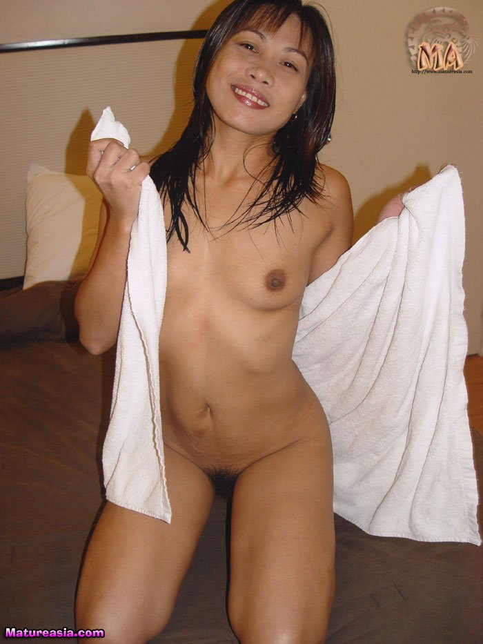 amateur-asian-mom-eko