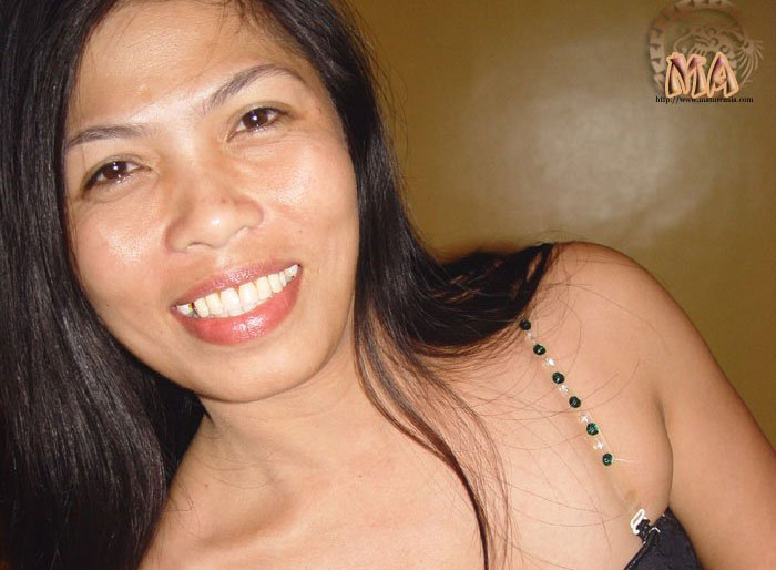 naked-filipino-milf-cropped