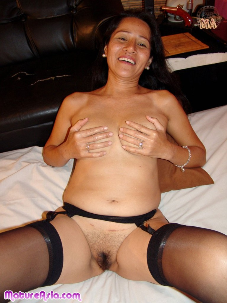 mature-asian-porn-granny