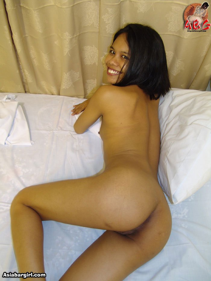 Cute and sexy Filipino naked showing ass and tiny tits petite amateur