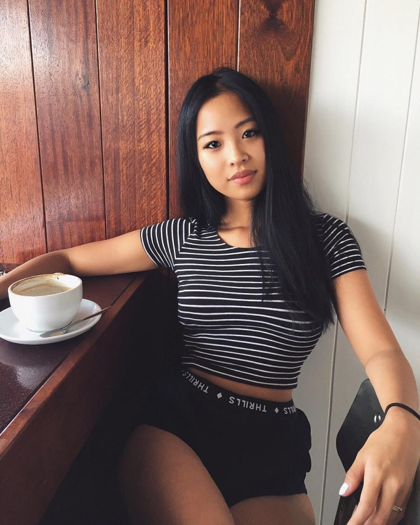 Hot Asian LBFM having coffee she is dark and sexy