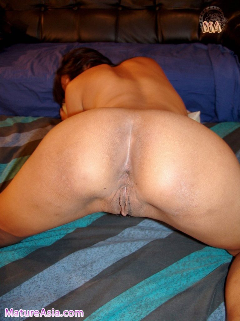 Filipino Asian Milf on her hands and knees with her ass up