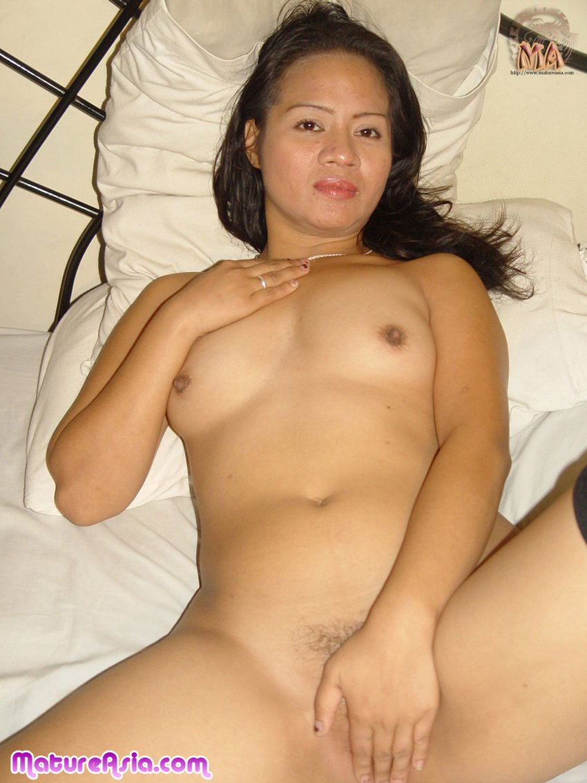 pinay-mom-nude-picture