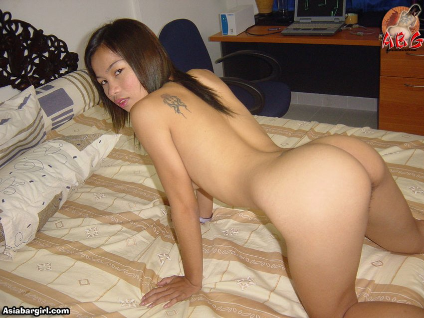 LBFM Asian on her hands and knees