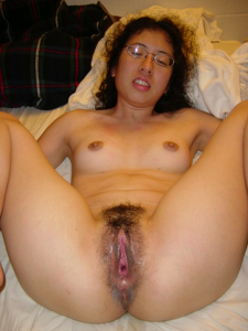 Amateur Asian wife pussy