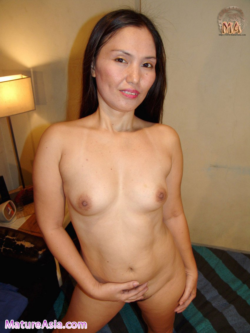 sexy filipino mom