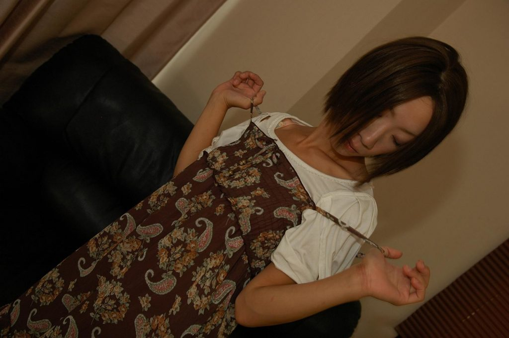Kana_Niinuma_Japanese_Milf_japan_uncensored
