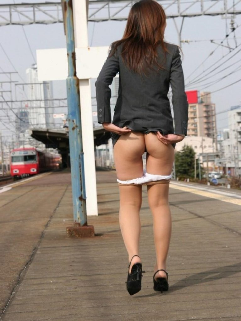 Amateur_Asian_public flashing