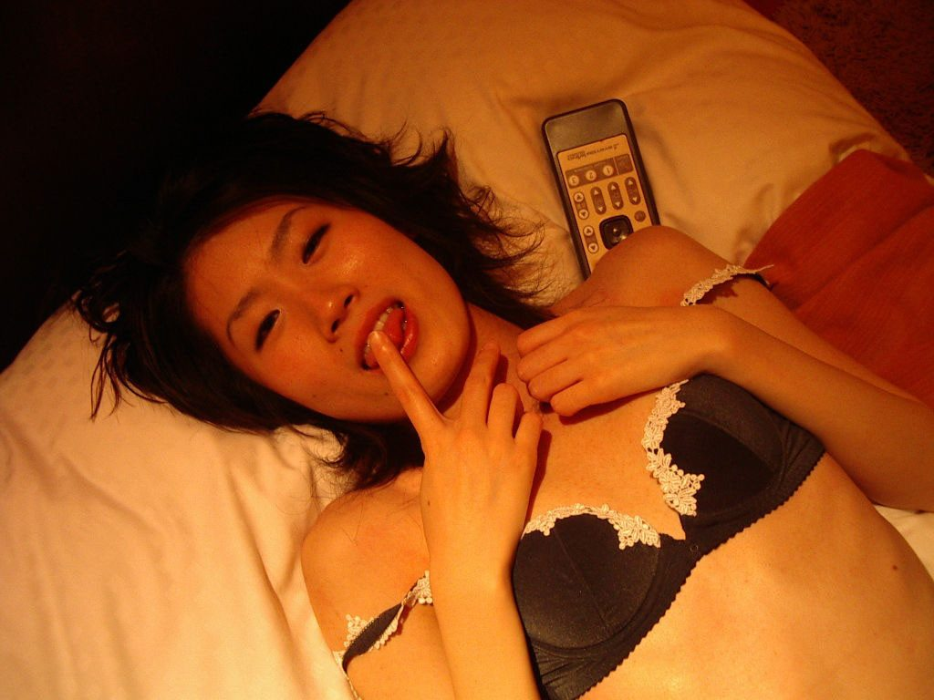 skinny_flat_chested_asian_wife_tiny_mom_petite