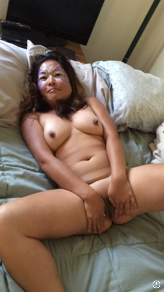 amateur mature viet wives topless