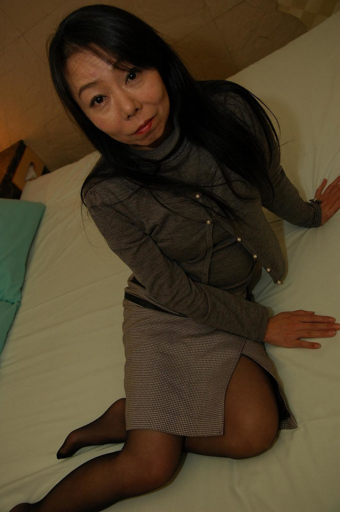 Taeko Syoji cute sexy Japanese Milf uncensored