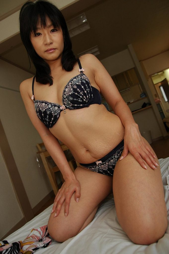Yuki Minigawa Japanese Milf uncensored