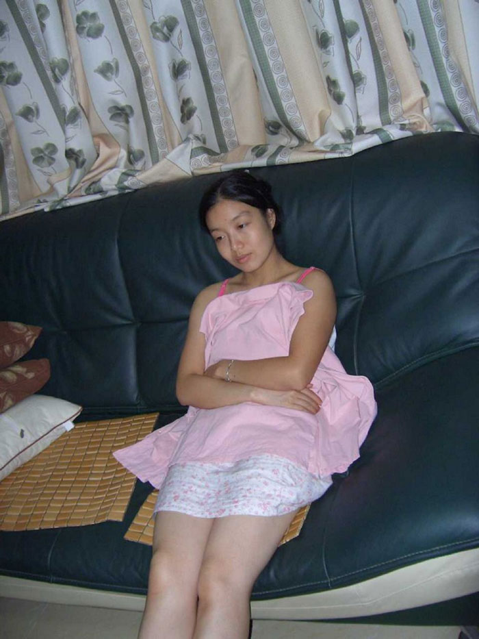 Tiny cute amateur chinese wife sex photo